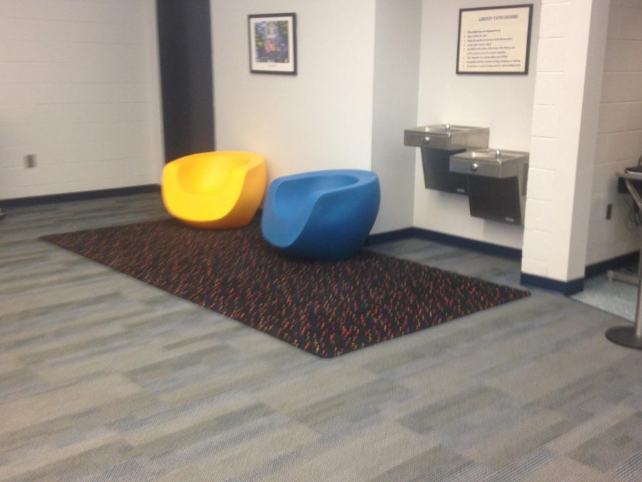 Informal+seating+areas+have+been+re-arranged+in+the+media+center.